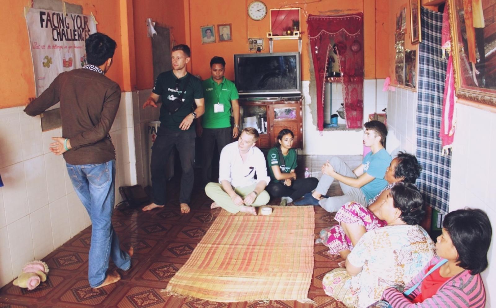 カンボジアでマイクロファイナンスインターン中の北朴木祥吾さん